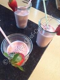 http://cooking-chef-cuisine.fr/images/stories/recettes/autres/2015-03/milkshakefraise.jpg